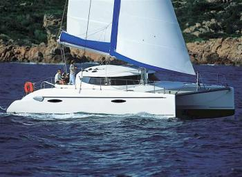 Yacht charter Lavezzi 40 - Madagascar, Nosy Be, Baie du Cratere