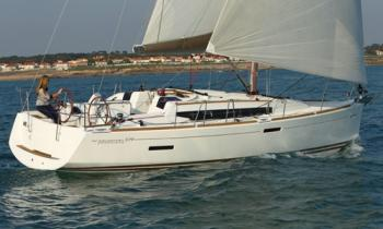 Yacht charter Sun Odyssey 379 (2cab) - Madagascar, Nosy Be, Baie du Cratere