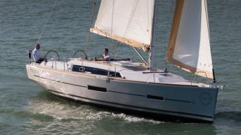 Yachtcharter Dufour 382 Grand Large - England, South East, Hamble