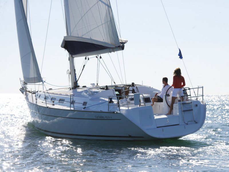Yacht charter Beneteau Cyclades 43.3 - Italy, Campania, Salerno