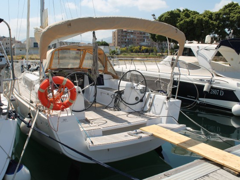 Yacht charter Dufour 310  - Italy, Sicilia, Palermo