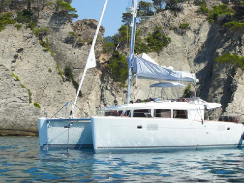 Yacht charter Lagoon 450 FLY - France, French Riviera, Bormes-les-Mimosas
