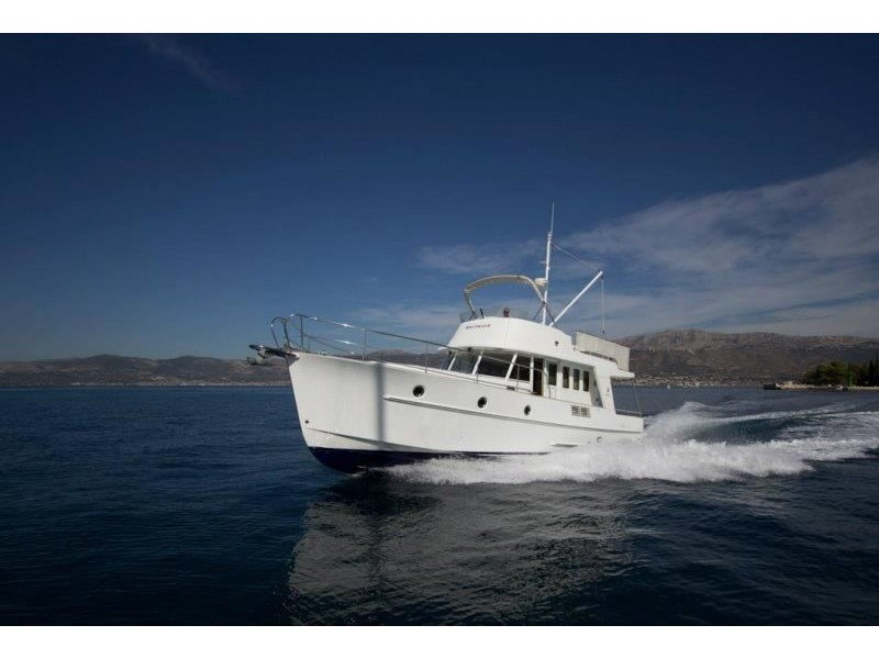 Yacht charter Swift Trawler 42 - Croatia, Northern Dalmatia, Zadar